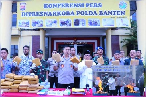 Polda Banten Musnahkan 86,867 Kg Ganja dan 500 Gram Sabu