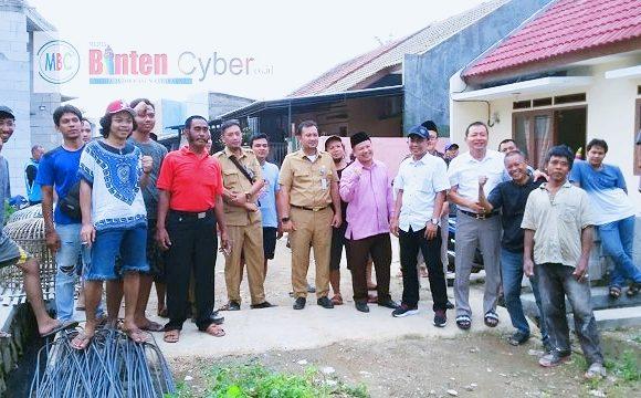 Pimpinan DPRD, Eksekutif Dan Tokoh Masyarakat Cipondoh Turun Bersama ke Lokasi Banjir di RW 10