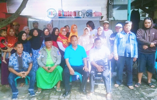 Warga Kelurahan Pondok Bahar Tuntut Walikota Tangerang Pecat Lurah Kurnain Terkait Pungli PTSL