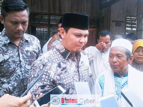 Kunjungi Warga Korban Rumah Roboh, Ketua DPRD Kota Serang Minta Pemkot Serang Lebih Cepat Tanggap