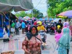 Parkir Resmi Ditutup yang Liar Merebak, Objek Wisata Banten Lama Ramai Pengunjung