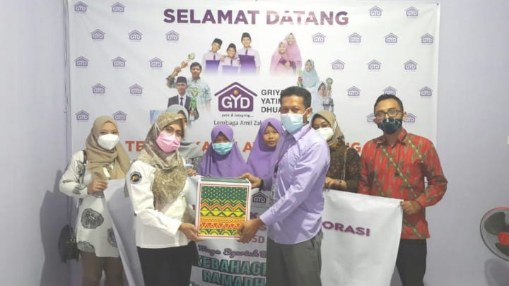 Bank Mega Syariah Berbagi Keberkahan di Bulan Ramadhan