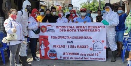 IHB Kota Tangerang Bagikan Masker dan Semprot Disinfektan