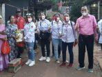 Relawan Jokowi Berikan Bantuan Moril dan Materil Kepada Ibu Turyani